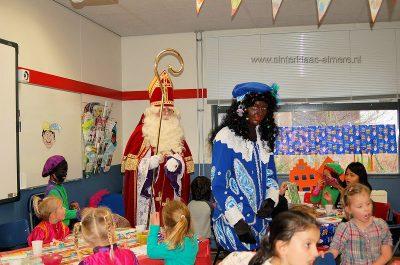 Sinterklaas en Piet bij de kinderopvang