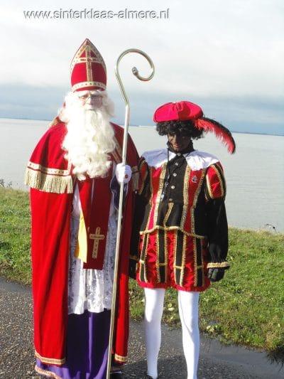 Sinterklaas op de dijk in Almere